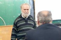 Иосиф Владимирович Романовский, доктор ф.-м. наук, профессор  СПбГУ, выступает на пленарном заседании